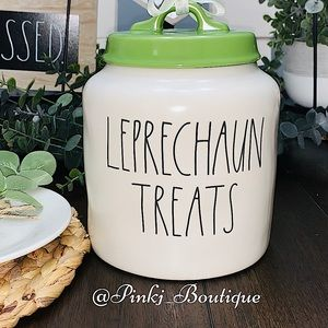 💗☘️RAE DUNN St. Patrick's Cookie Canister Jar!